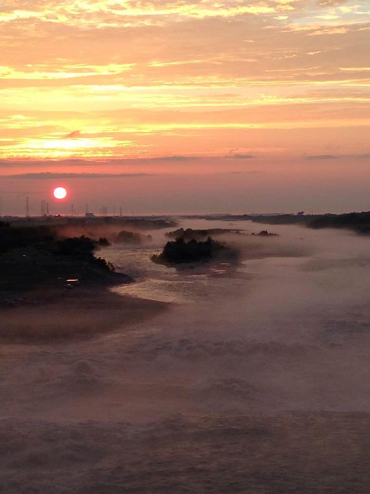 愛本橋からの夕日